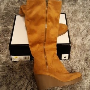 New wedge heel suede boots